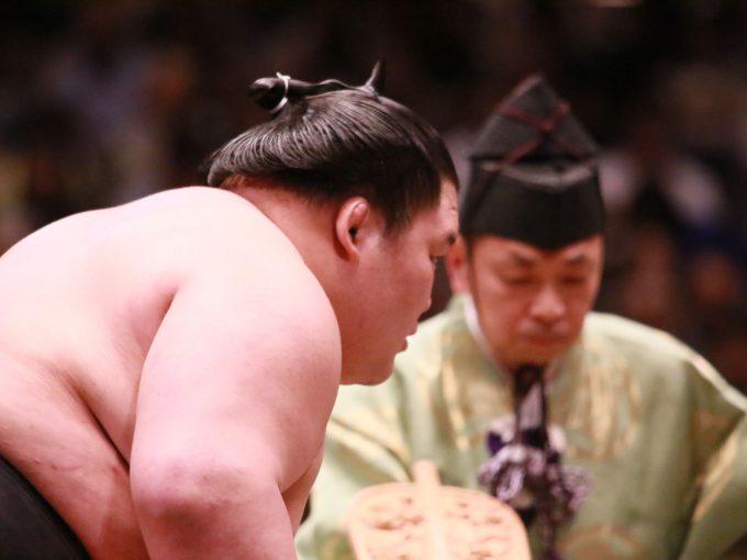 両国国技館の大相撲本場所の案内誘導受付等スタッフ